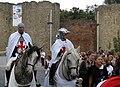 Péronne (13 septembre 2009) cavaliers devant château 15.jpg