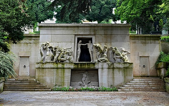 Paris Monument aux morts Bartholomé 2013.jpg