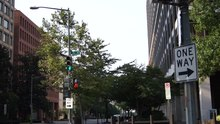 File:Pedestrian crossing light washington dc.ogv