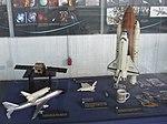 Petőfi Csarnok, Repüléstörténeti kiállítás, Boeing 747 és Space Shuttle Discovery modelljei.JPG
