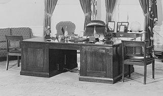 Theodore Roosevelt desk Oval office desk