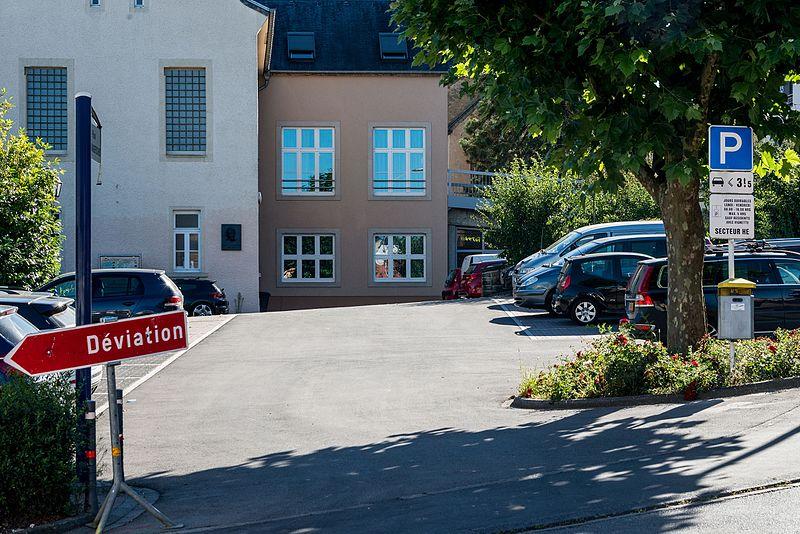 File:Place Roger-Manderscheid, Itzig-101.jpg