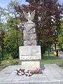 Pomnik - pamiątka obchodów Konstytucji 3 Maja - na Placu Litewskim - panoramio.jpg