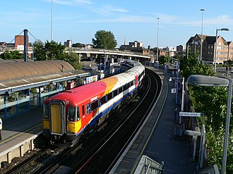 Poole railway station - Looking eastwards from the footbridge