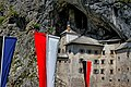 Predjama Castle (35424698860).jpg