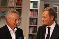 Premier Donald Tusk oraz prezes TZMO S.A. Jarosław Józefowicz (6165309671).jpg
