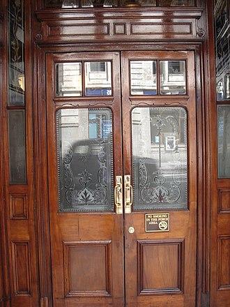 Princess Louise, Holborn - Image: Princess Louise public house, High Holborn, London 01