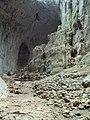 Prohodna cave 037.jpg