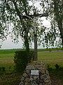 Prunay-Belleville croix de chemin face au monument aux morts.JPG