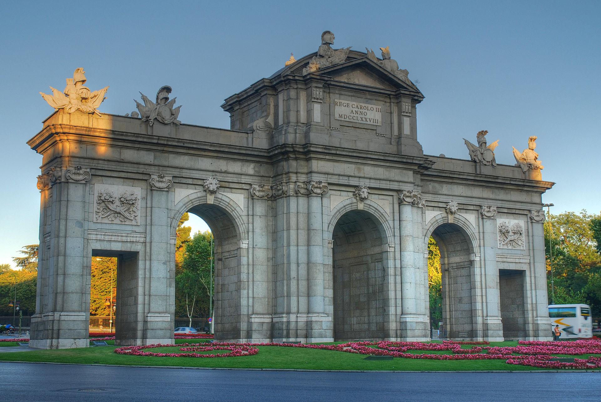 Puerta de alcal wikipedia - Arquitectos en espana ...