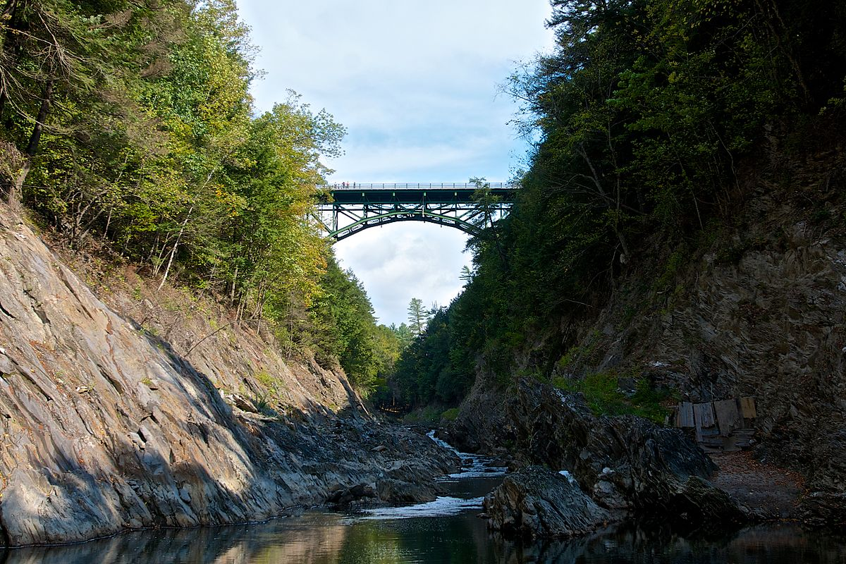 quechee gorge bridge wikipedia. Black Bedroom Furniture Sets. Home Design Ideas