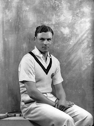 Raymond Tuckey - Image: Raymond Tuckey 1936