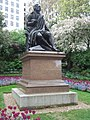 Robert Burns in Victoria Embankment Gardens.jpg