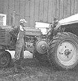 Robert Yordy And Son In Morton, Illinois (6877895152).jpg