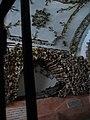Roma - Santa Maria della Concezione dei Cappuccini - crypt - Side second ossuary's chaptel - panoramio.jpg