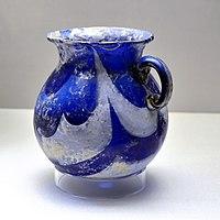 Roman glassware Blue and white Munich Staatliche Antikensammlungen 22102016 1.jpg