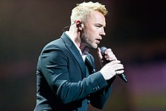 Ronan Keating - 2016330211436 2016-11-25 Night of the Proms - Sven - 1D X - 0311 - DV3P2451 mod.jpg