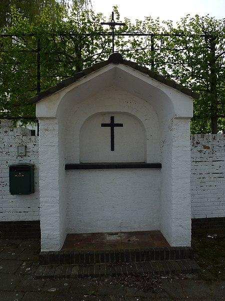 Roosteren (Echt-Susteren) wegkapelletje voor kasteel Eijckholt