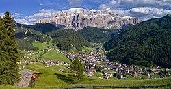 Sëlva Wolkenstein Selva di Val Gardena Sella.jpg