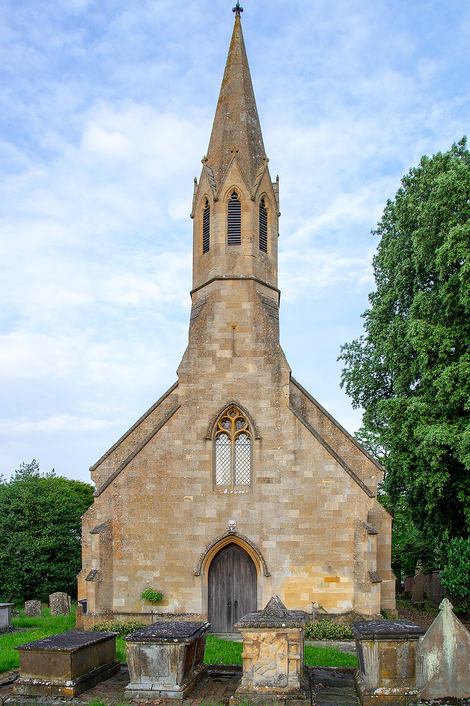 ST PETERS STRETTON 8218