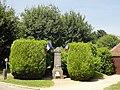 Saint-Martin-aux-Bois (60), monument aux morts 1.jpg