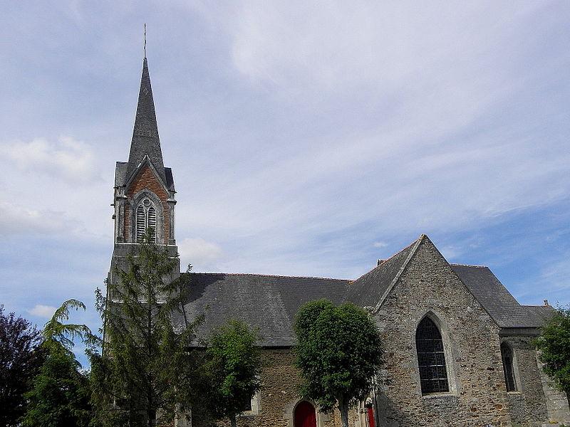 Église Saint-Uniac, commune de Saint-Uniac (35). Vue méridionale.
