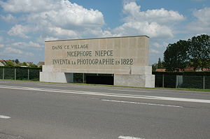 Saint-Loup-de-Varennes - A sign showing the name of the inventor of photography