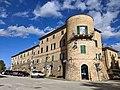 San Marcello, mura occidentali con caratteristico torrione rotondo.jpg