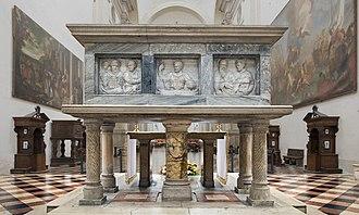 Saint Matthias - His reliquary in Padua.