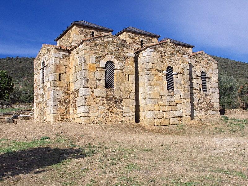 File:Santa Lucía de El Trampal.jpg