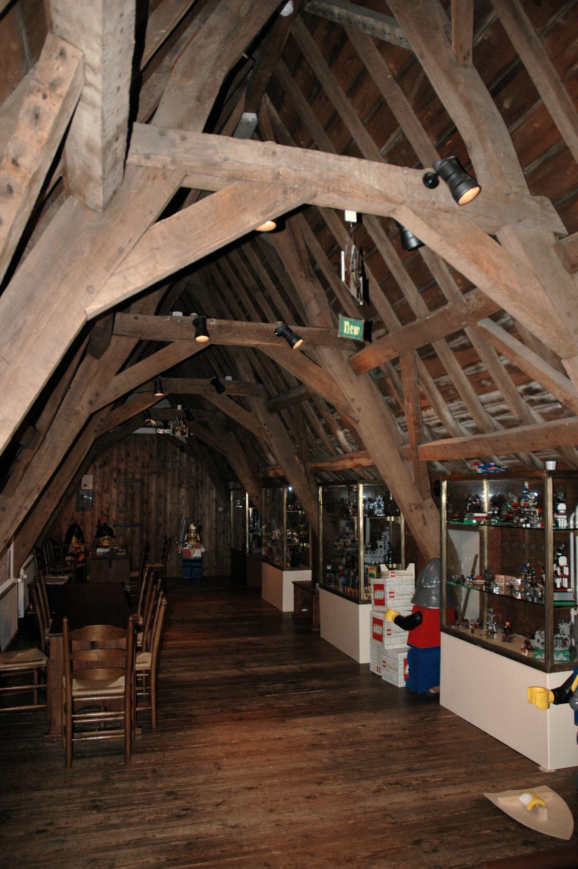 Comble architecture wikip dia for Chambre sous toiture