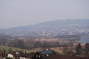 Seengen - Seeengen and Lake Hallwil, seen from the village entry of Boniswil