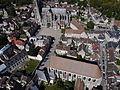 Senlis - Cathédrale Notre-Dame et Collégiale Saint-Frambourg, vue aérienne.JPG