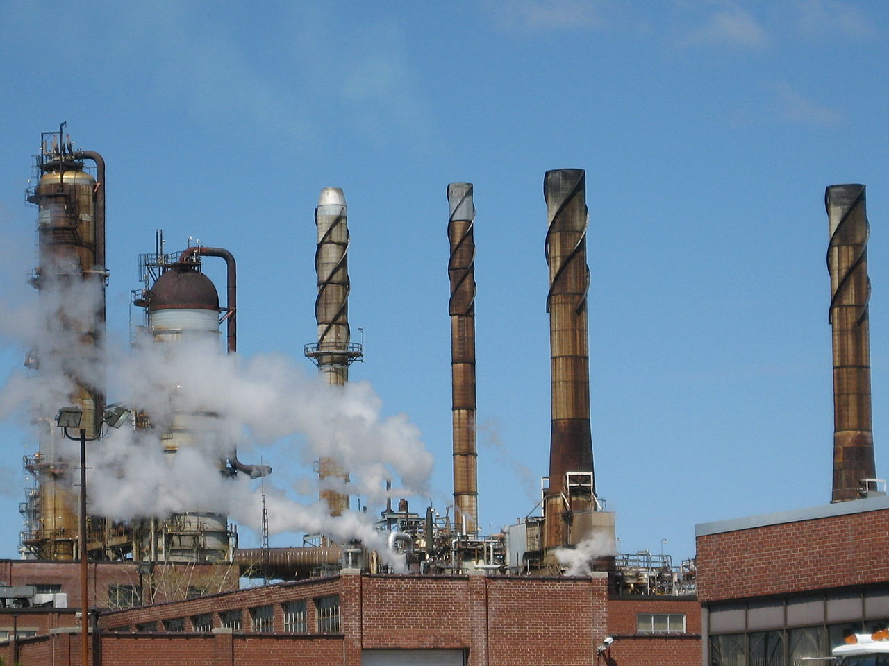 File:Shell Montreal East Refinery.jpg