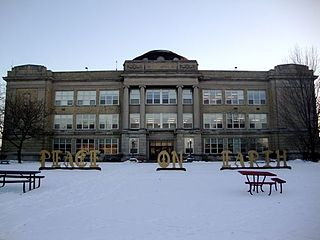 Shorewood High School (Wisconsin) public high school in the Village of Shorewood, Milwaukee County, Wisconsin