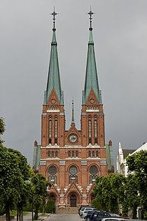 Skien kirke - front.jpg