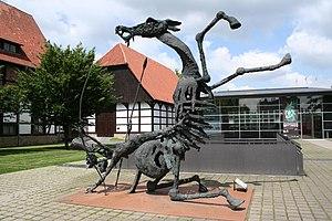 Skulptur vor dem Lippischen Landesmuseum in Detmold