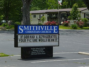 English: Smithville Christian Church and its b...