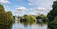St James's Park Lake - East from the Blue Bridge - 2012-10-06.jpg