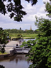 external image 170px-St_John%27s_Lock_and_Lechlade_in_background.JPG