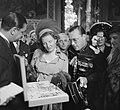 Staatsbezoek van koningin Juliana aan Frankrijk. Op het stadhuis, Bestanddeelnr 903-9825.jpg