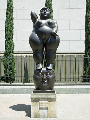 Botero Plaza - Image: Statue botero
