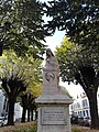 Statue de François Ponsard devant la sous-préfecture de Vienne (Isère).jpg