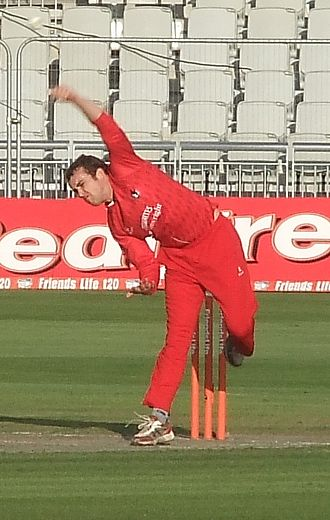 Stephen Parry (cricketer) - Image: Stephen Parry bowling, 2012