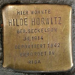 Photo of Hilde Horwitz brass plaque