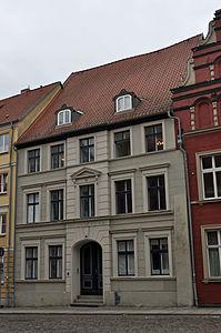 Stralsund, Fährstraße 7 (2012-03-11) 2, by Klugschnacker in Wikipedia.jpg
