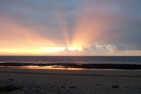 Sunrise, Carmarthen Bay 8-44 - geograph.org.uk - 1351421.jpg