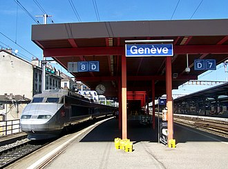 Lyon–Geneva railway - Image: TGV à Genève Cornavin (2)