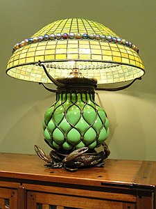 Table Lamp, Tiffany Studios, 1902-1919 - Nelson-Atkins Museum of Art - DSC09186.JPG