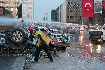 Riot police clearing Gezi Park on 15 June Taksim square cleaning. Events of June 16, 2013-2.jpg